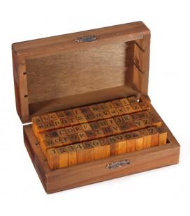 Caja de madera con 70 sellos – Alfabeto - Scrap