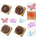 Lote de 4 sellos scrapbook: Torre Eiffel, Corona, mariposa y  Encaje
