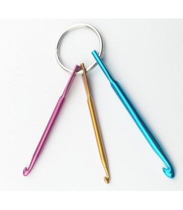 Llavero con 3 ganchos de crochet - Agujass de ganchillo - Mini ganchos