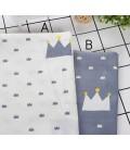 Tela de algodón con motivo de coronas - Costura - Patchwork - Manualidades