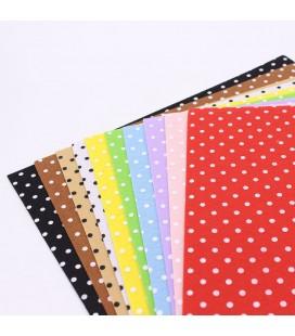 Pack de 10 de láminas de fieltro estampado de lunares de 15x15cm